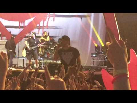 All Time Low - Dear Maria, Count Me In (Live, Download Festival 2016)