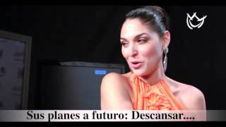 Blanca Soto se rie de su novio.