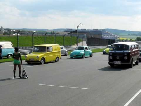 vw fridolin vs vw t2 bulli k fertreffen chemnitz 2009 1 4 meile sachsenring youtube. Black Bedroom Furniture Sets. Home Design Ideas