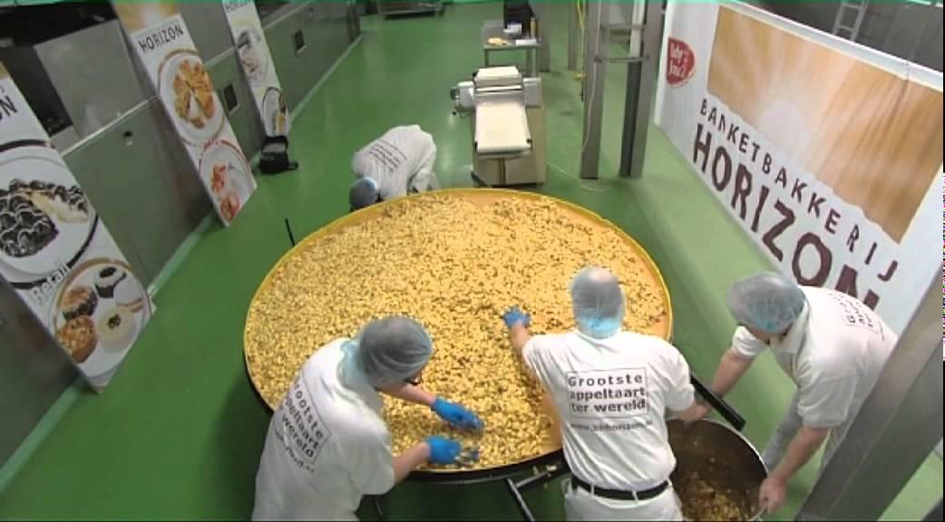 Banketbakkerij horizon bakt grootste appeltaart ter wereld youtube - Garderobe huizen van de wereld ...