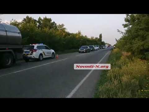 Новости-N: Под Николаевом оторвавшиеся от автоцистерны колеса врезались в «Дэу» - на одесской трассе пробка
