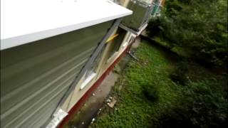 видео Остекление балконов с крышей в хрущевках