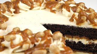 """Торт """"Сникерс"""" с соленой карамелью и супер шоколадными коржами. Пошаговый рецепт."""