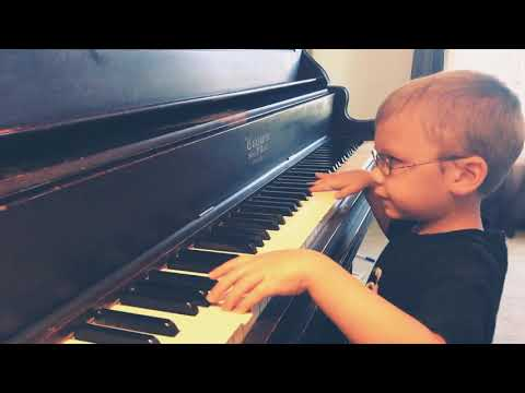 6 y/o Blind Boy Plays 'Bohemian Rhapsody' by Queen