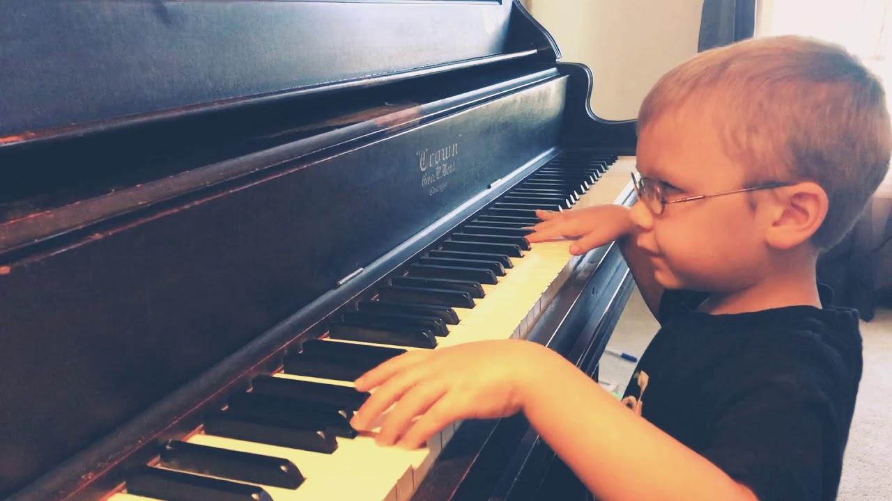 6-Year-Old Blind Pianist Plays 'Bohemian Rhapsody' - Cute Videos