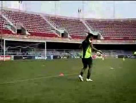 Ronaldinho Cross Bar...