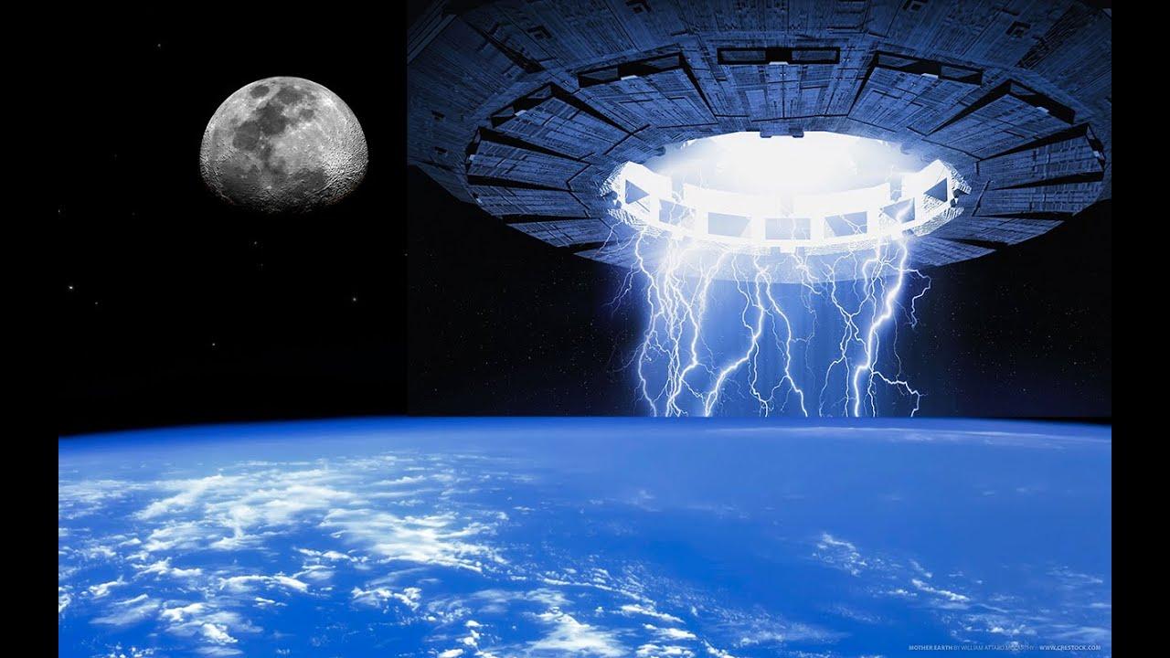 NASA cuts live feed when 'UFO' appears HD - YouTube