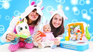 Игры Дочки Матери - Кукла БЕБИ БОН и Милые пони Единорожки играют в ванной! Видео игры Baby Born