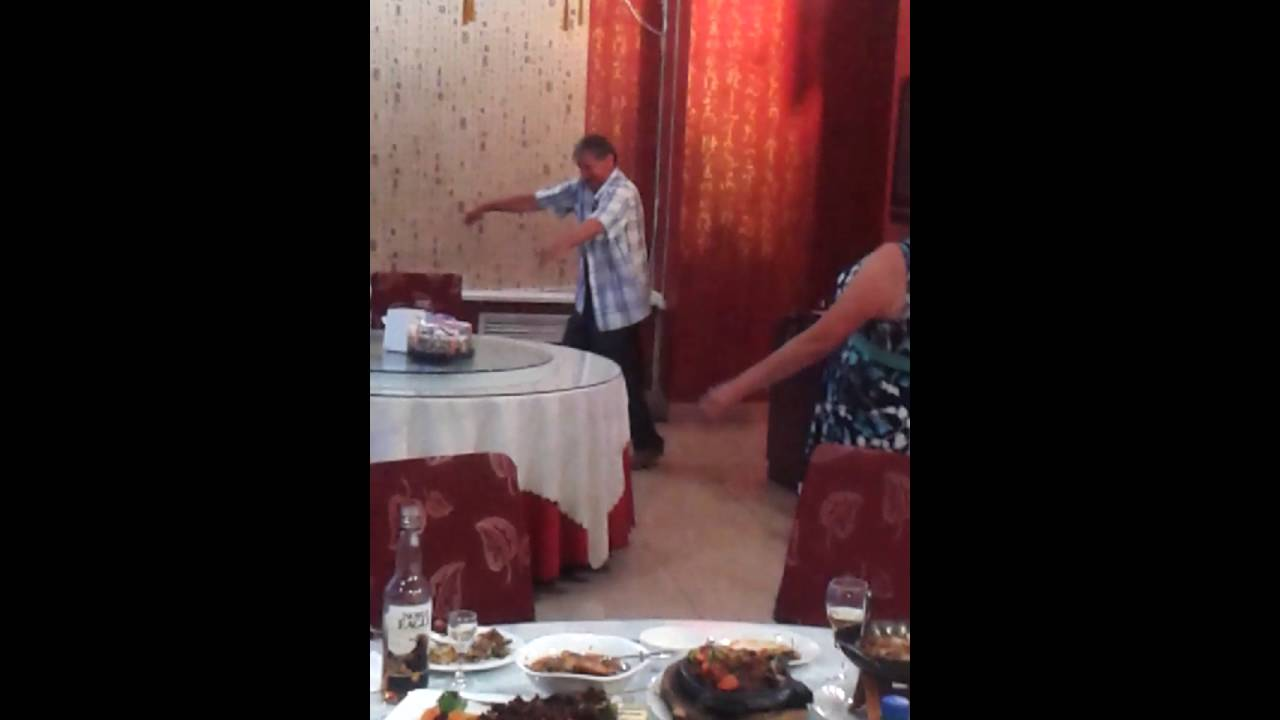 seksi-shmeksi-tantsi-russkoe-porno-seks-s-rizhey