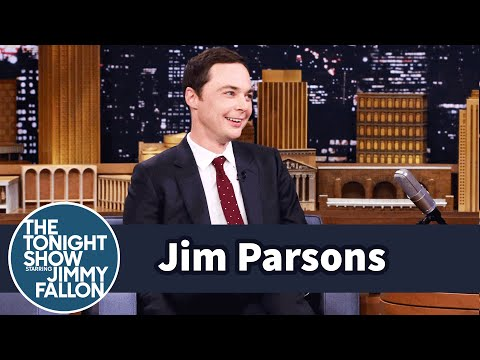 Jim Parsons and J.J. Watt are Email Buddies