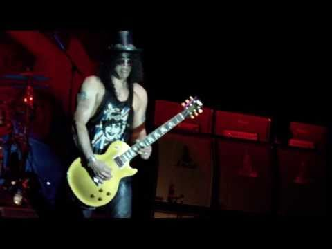 """Broken String Guitar Solo"" ~Slash live in Toronto sep.10,2010…"