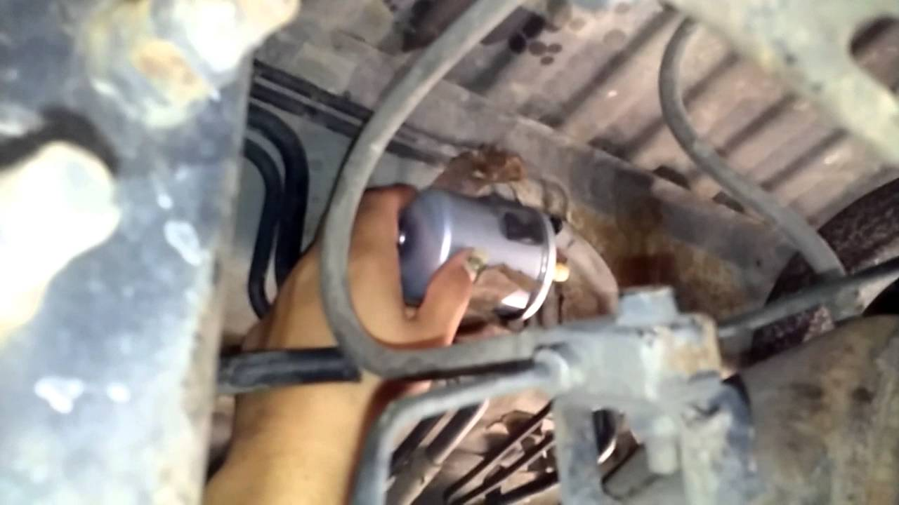 Replacing the Fuel filter on a 2001 Pathfinder YouTube