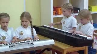 Музыкальный урок в Монтессори-академии «Традиции успеха»