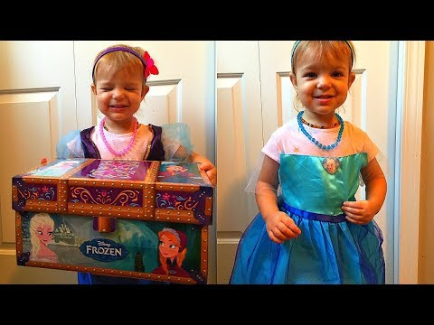 Frozen Elsa and Anna Travel Trunk   Disney Princess Family Fun Surprise Box