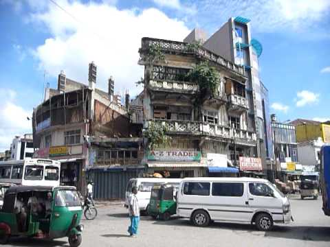 Sri Lanka,ශ්රී ලංකා,Ceylon,Colombo,Downtown traffic at a crossroad (02)