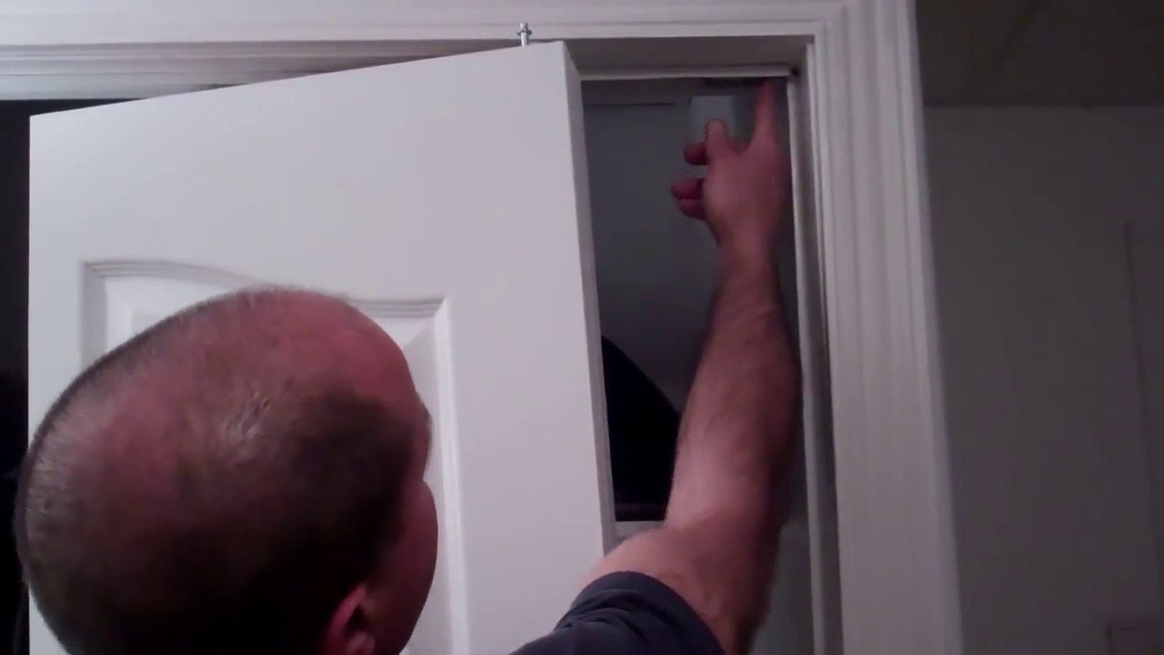 Repairing Amp Adjusting A Folding Closet Door Youtube