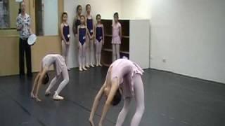 皇家專業舞蹈藝術中心&首冠芭蕾舞團 thumbnail