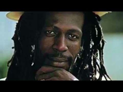 Gregory Isaacs protect me mp3