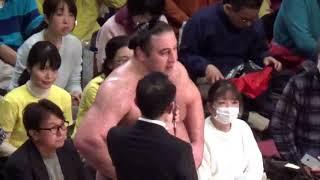 大相撲トーナメント 決勝 栃ノ心×玉鷲の勝者のインタビューです.