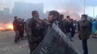 Одесса.2 мая,2014.Куликово поле, загнанные в здание сепаратисты.