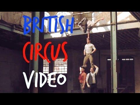 Zirkus in einer verlassenen Fabrik