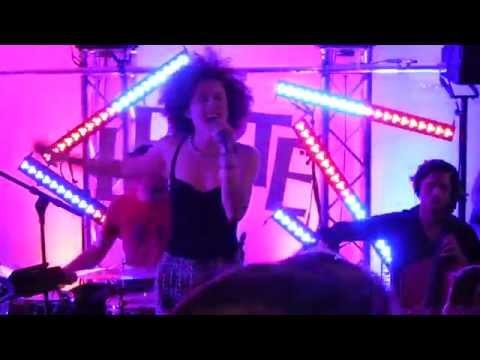 MarieMarie - Under The Neon Sky - live @Variété Liberté Maienzeit Carrée Munich 2014-05-23