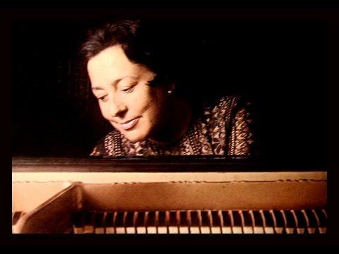 Mozart / Alicia de Larrocha, 1974: Fantasia in C Minor, K475
