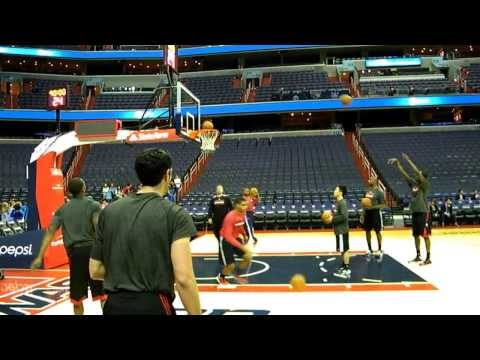 Kirk Hinrich (Chicago Bulls) pre-game shooting routine at the Verizon Center