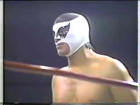 Sangre Chicana/Mocho Cota/Cien Caras Vs. Atlantis/Villano III/Mascara Año Dos Mil (11/2/1984)