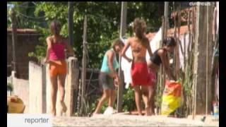 Repeat youtube video Prostitución infantil en Brasil