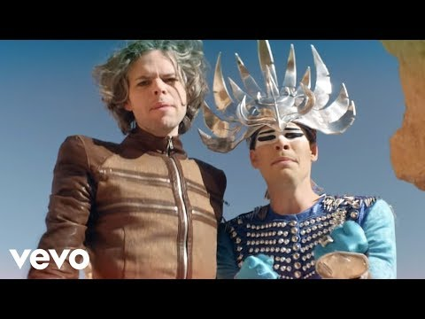 Клип Empire Of The Sun - Alive