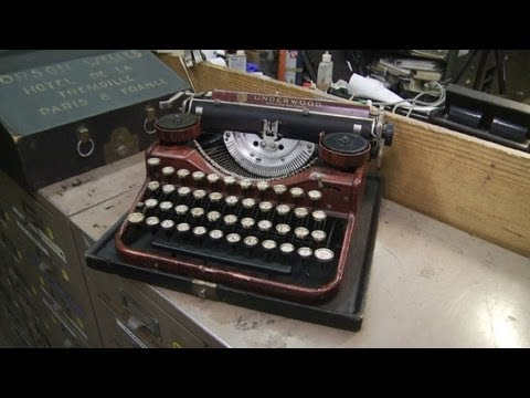 Hollywood returns to the slow art trend of typewriters