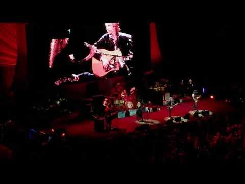 "Fleetwood Mac covers ""Free Fallin"" at BOK Center, Tulsa OK"