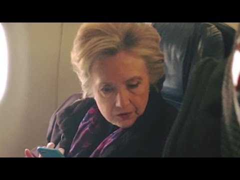 Clinton airplane photo goes viral