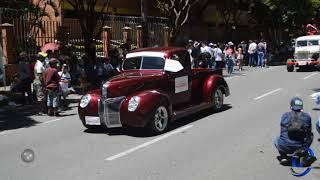 Desfile de carros clásicos y antiguos - Medellín 2018