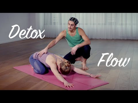 Can Yoga Twists Really Detox Your Body Tint Yoga
