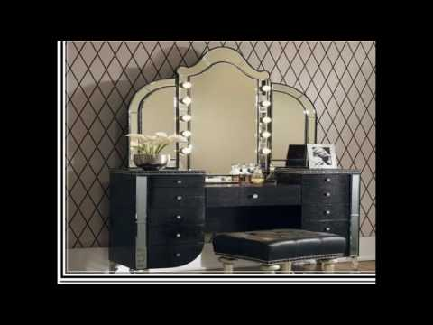 makeup-vanity-table-with-lighted-mirror