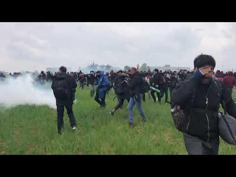 Νέα ένταση στα Διαβατά! Συγκρούσεις και χημικά στους μετανάστες!