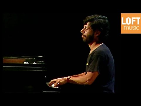 Chick Corea - Children Songs: Live recording from the Munich Summer Piano Festival 1982 This concert features the acclaimed jazz pianist Chick Corea and the late Cypriot piano virtuoso Nicolas Economou. Both musicians are accomplished composers and they give solo performances of their own work, with Corea playing his Children's Songs and Economou his Études for Children. The pianists then join each other on stage to perform Chick Corea's Duet for Two Pianos in Three Parts.  Chick Corea - Children Songs 0:55 No.1 2:35 No.2 3:21 No.3 4:35 No.5 5:40 No.6 9:10 No.10 10:30 No.11 11:10 No.13 12:25 No.17 13:14 No.19 15:00 No. 17:08 No.20  Watch the full concert: https://youtu.be/J2YOPxvs6gs?list=PLDOx7nx0z2hjBTLbnb_VbaswNjOhGfMa4