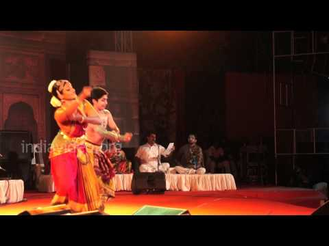 Bharatanatyam performance by Vijna Vasudevan and Ranjith