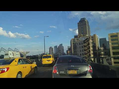 Driving from Chinatown in Manhattan to Greenpoint in Brookly