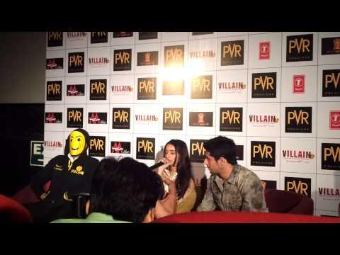 Shraddha Kapoor Singing Galliyan From Ek Villain LIVE