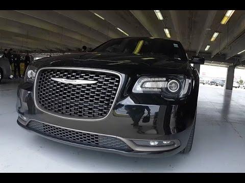 FUN in a Chrysler 300S HEMI V8 2016