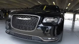 FUN in a Chrysler 300S HEMI V8 2016
