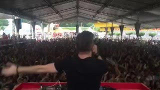 DJ ile Birlikte Kopan Seyirciler (HD OLARAK İZLEYİN SÜPER)