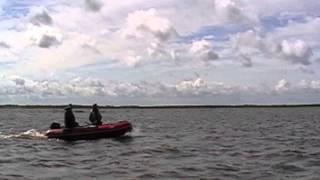 Компас 450 Солар 450 на выходе в белое море, рыбалка на море отменяется !!(ПВХ Солар Компас., 2013-07-17T09:11:30.000Z)