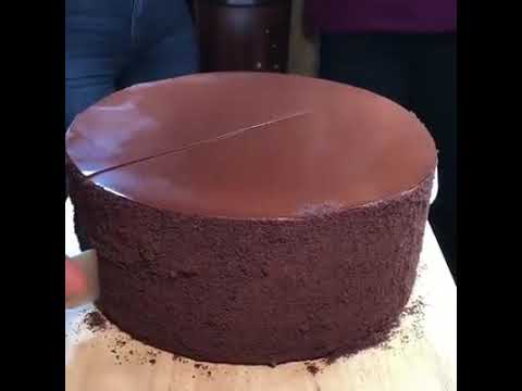 Hospitalidad Indica incompleto  23-layer of chocolate cake at Michael Jordan's steakhouse - YouTube