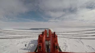 Time-lapse: Fantastic scenery of China's vessel crossing floes in Ross Sea