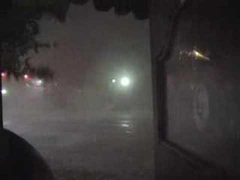 Tornado runs through downtown Austin, Texas (5/14/08)