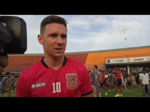 VIDEO Inilah Shane Smeltz Pemain Bintang Yang Baru di Ambil Borneo FC